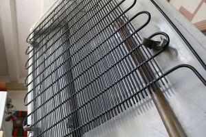 550px-Clean-Refrigerator-Coils-Step-2[1]