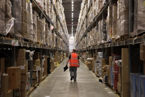 Inside-Amazon-Warehouse-08[1]